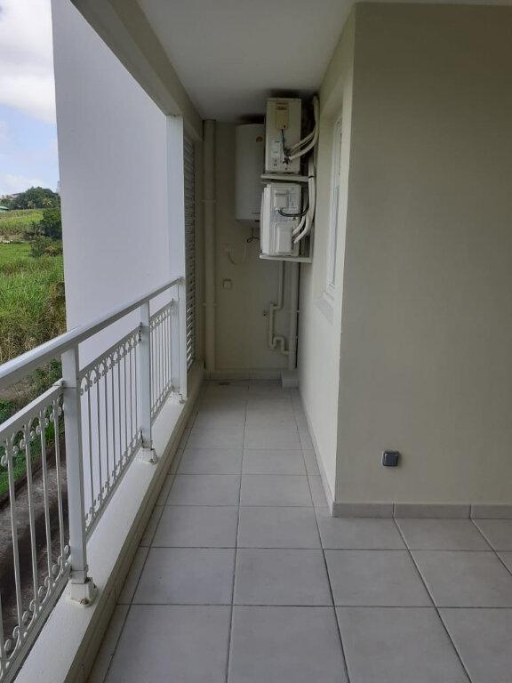 Appartement à louer 3 59.56m2 à Le Lamentin vignette-7