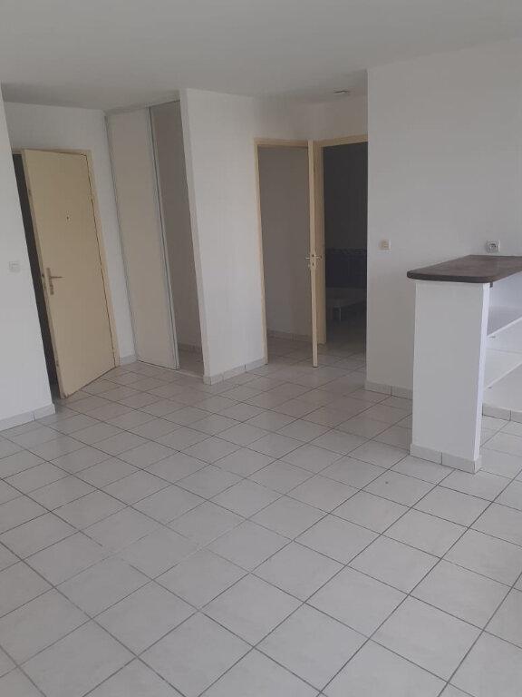 Appartement à louer 2 37.85m2 à Fort-de-France vignette-2
