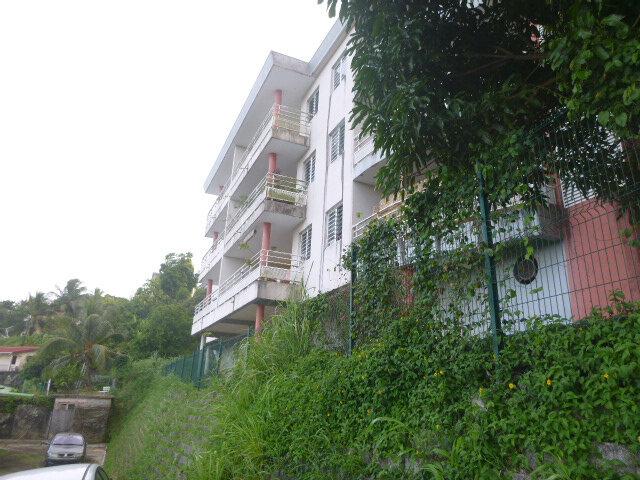 Appartement à vendre 3 66.95m2 à Fort-de-France vignette-1