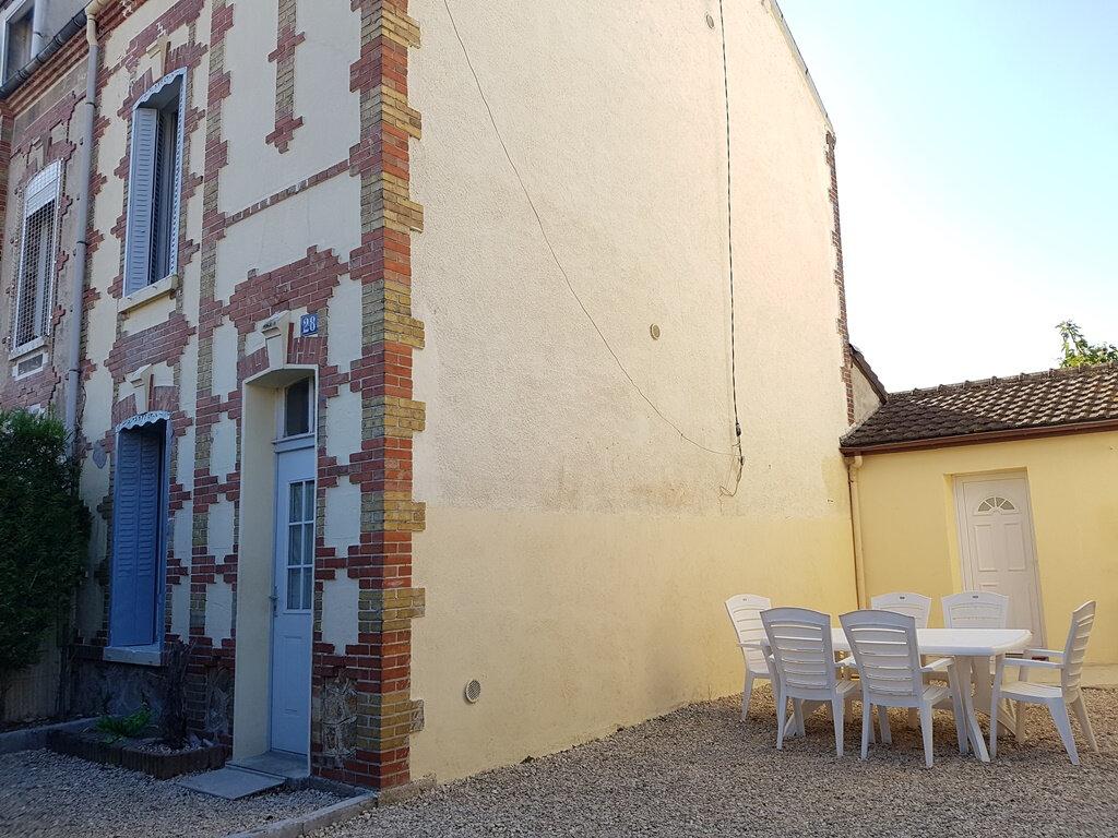 Maison à vendre 5 97m2 à Romilly-sur-Seine vignette-2