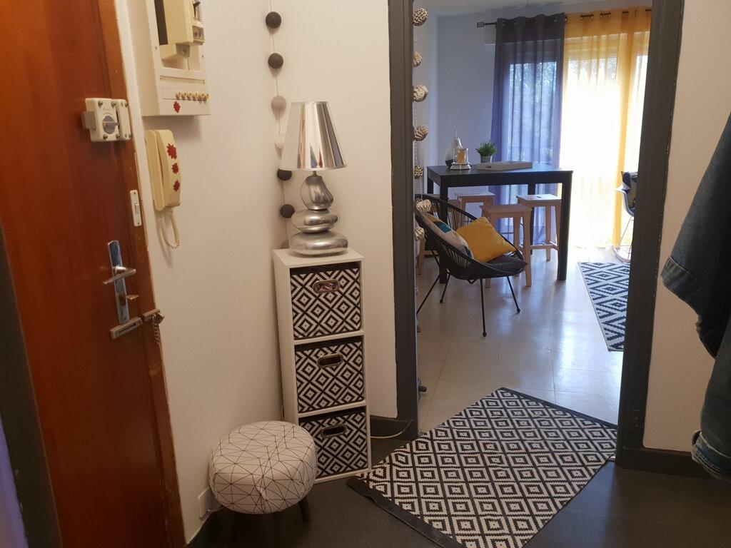 Appartement à vendre 3 66.89m2 à Saint-André-les-Vergers vignette-2