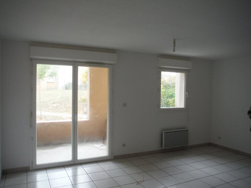 Appartement à louer 3 56.25m2 à Carcassonne vignette-1