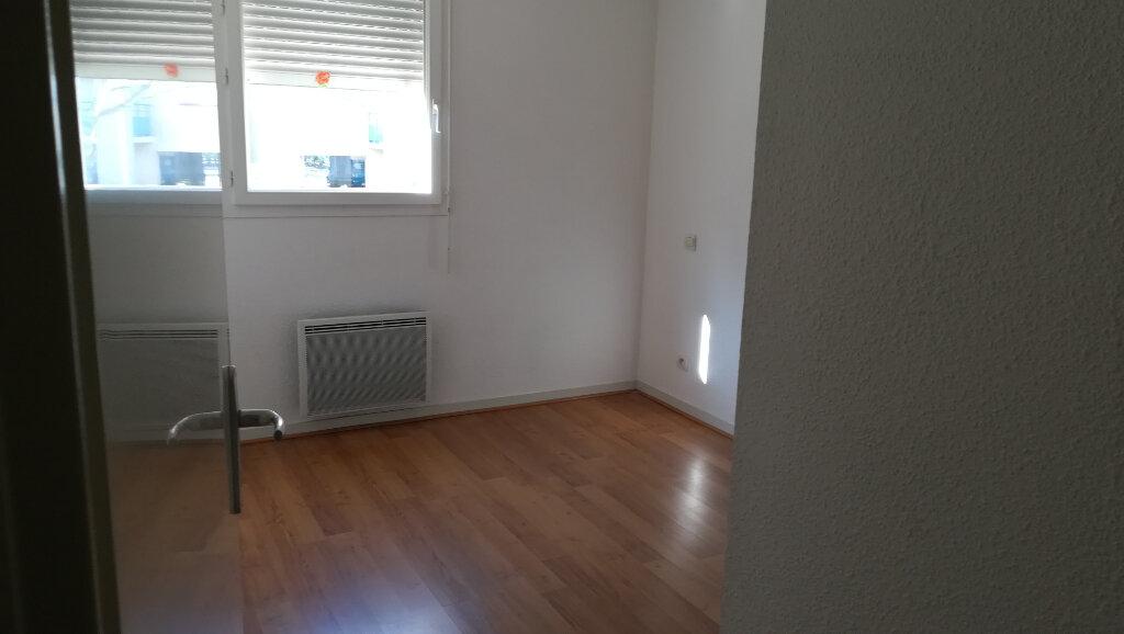 Appartement à louer 3 56.25m2 à Carcassonne vignette-10