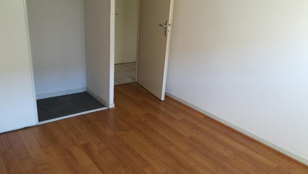 Appartement à louer 3 56.25m2 à Carcassonne vignette-11