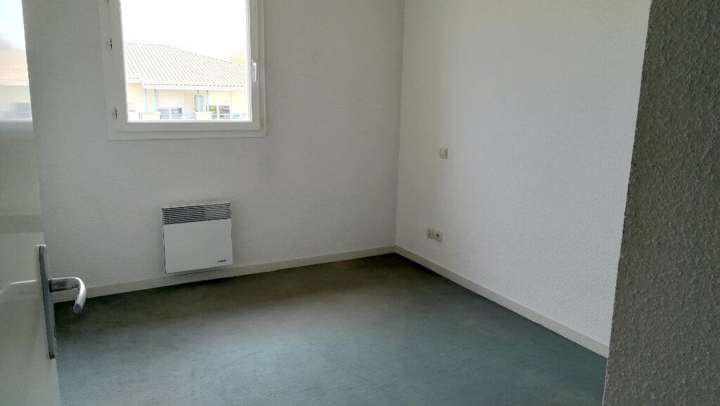 Appartement à louer 3 56.25m2 à Carcassonne vignette-7