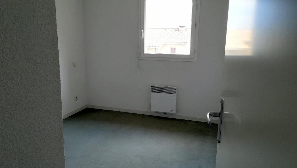Appartement à louer 3 56.25m2 à Carcassonne vignette-8