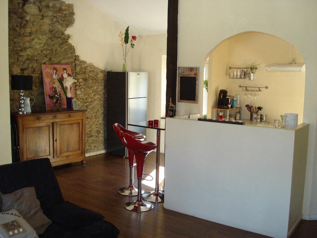 Appartement à louer 3 88m2 à Carcassonne vignette-1