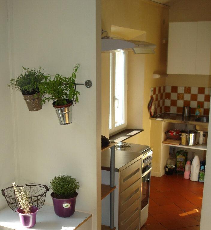 Appartement à louer 3 88m2 à Carcassonne vignette-7