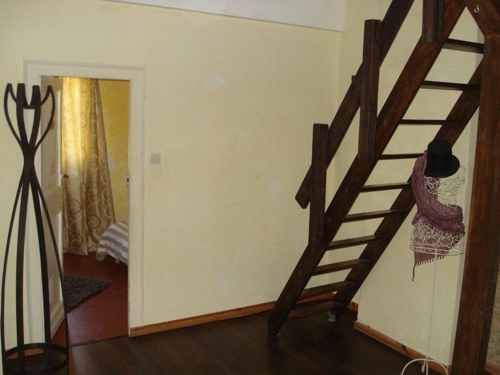 Appartement à louer 3 88m2 à Carcassonne vignette-8