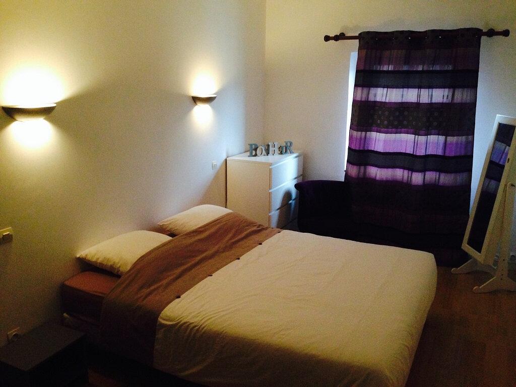 Appartement à louer 3 88m2 à Carcassonne vignette-9