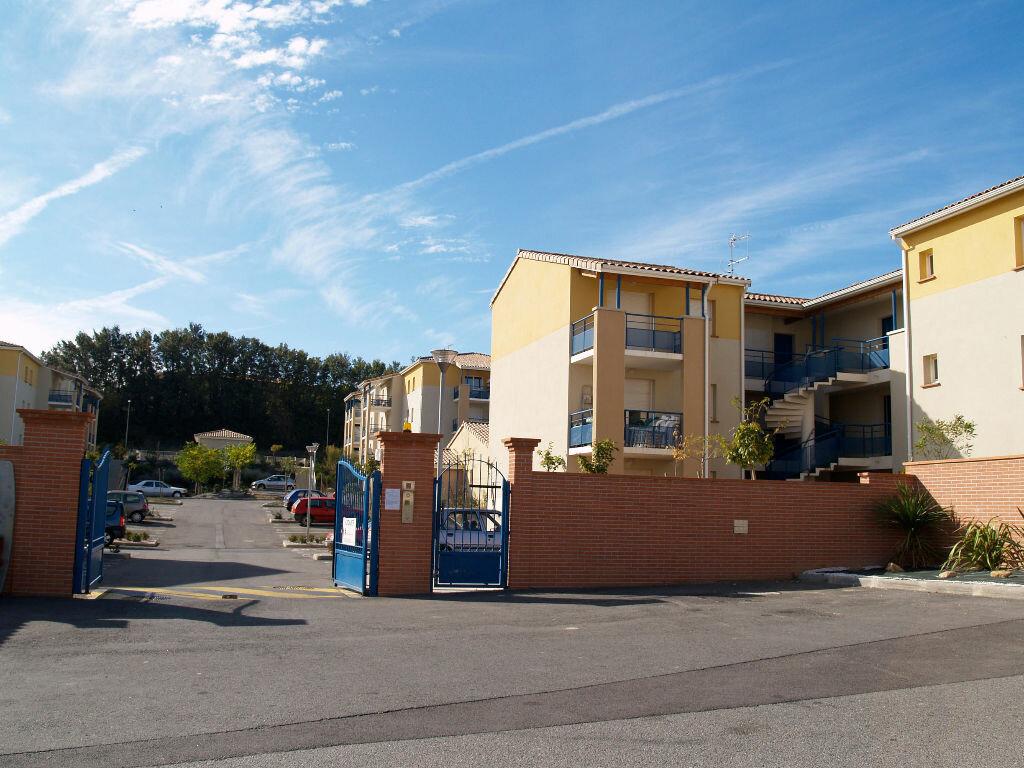 Appartement à louer 2 38.5m2 à Carcassonne vignette-1