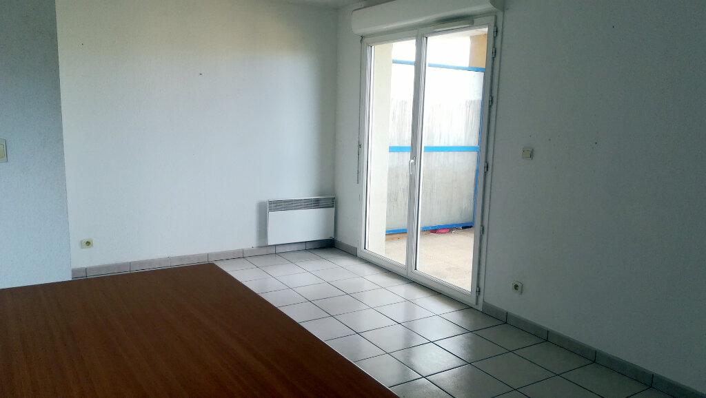 Appartement à louer 2 38.5m2 à Carcassonne vignette-3