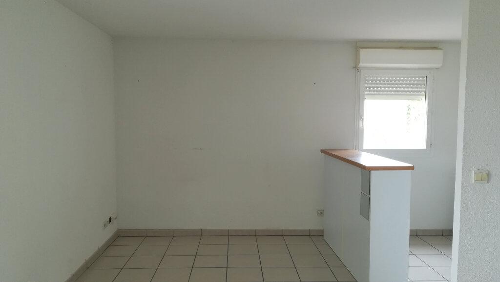 Appartement à louer 2 38.5m2 à Carcassonne vignette-4