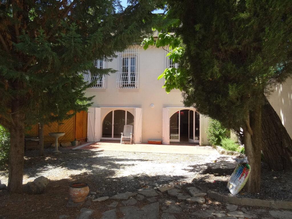 Maison à louer 4 135.3m2 à Carcassonne vignette-1