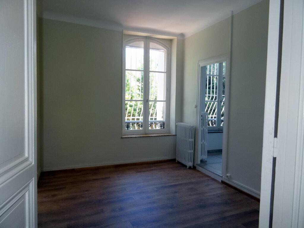 Maison à louer 4 135.3m2 à Carcassonne vignette-6