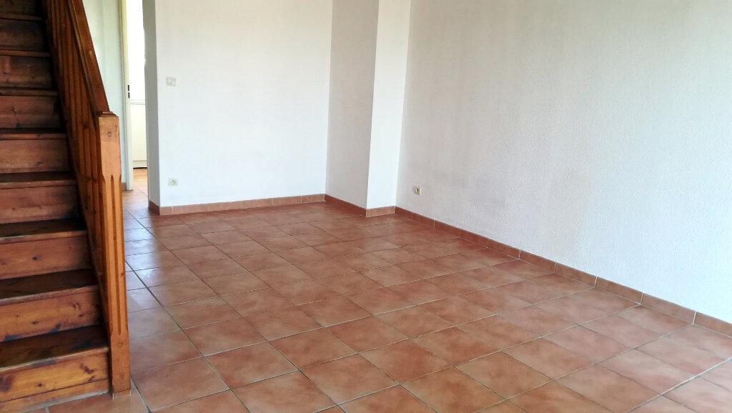 Maison à louer 3 66.4m2 à Carcassonne vignette-2