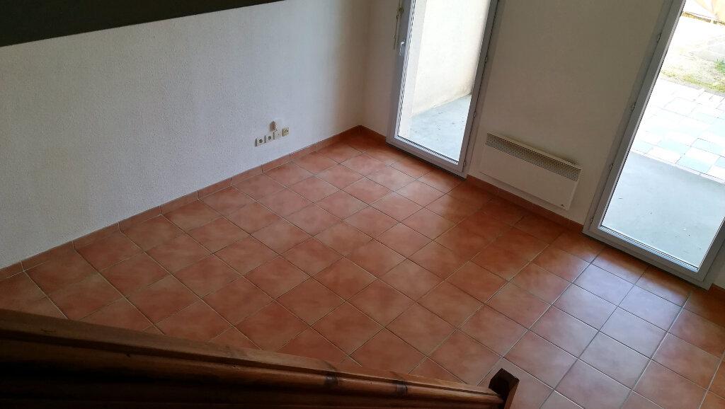 Maison à louer 3 66.4m2 à Carcassonne vignette-3