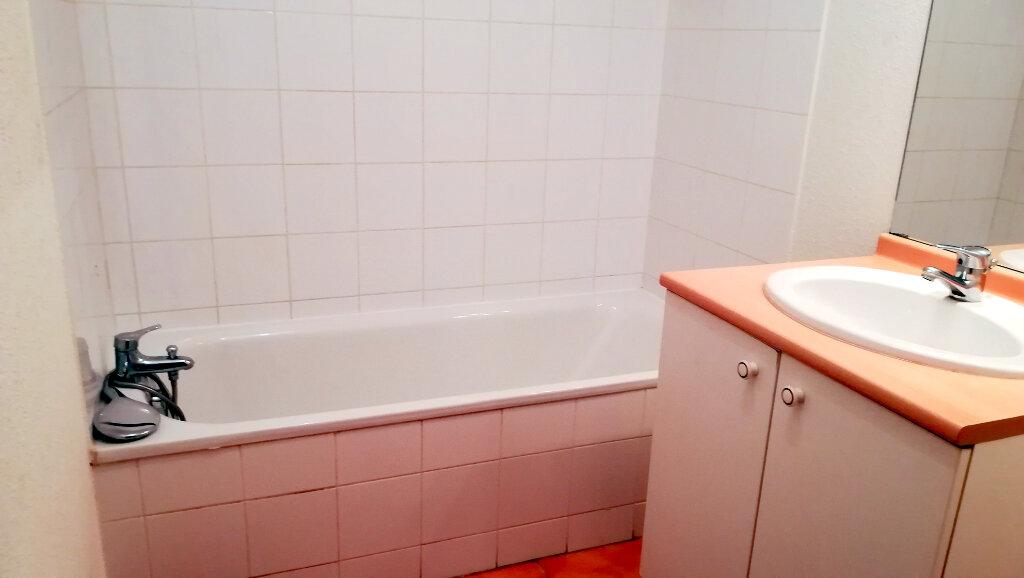 Maison à louer 3 66.4m2 à Carcassonne vignette-7