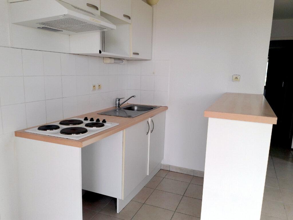 Appartement à louer 3 57.15m2 à Carcassonne vignette-4