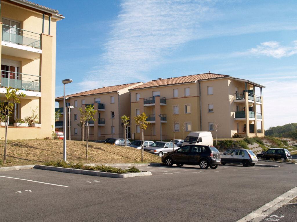 Appartement à louer 3 57.15m2 à Carcassonne vignette-1