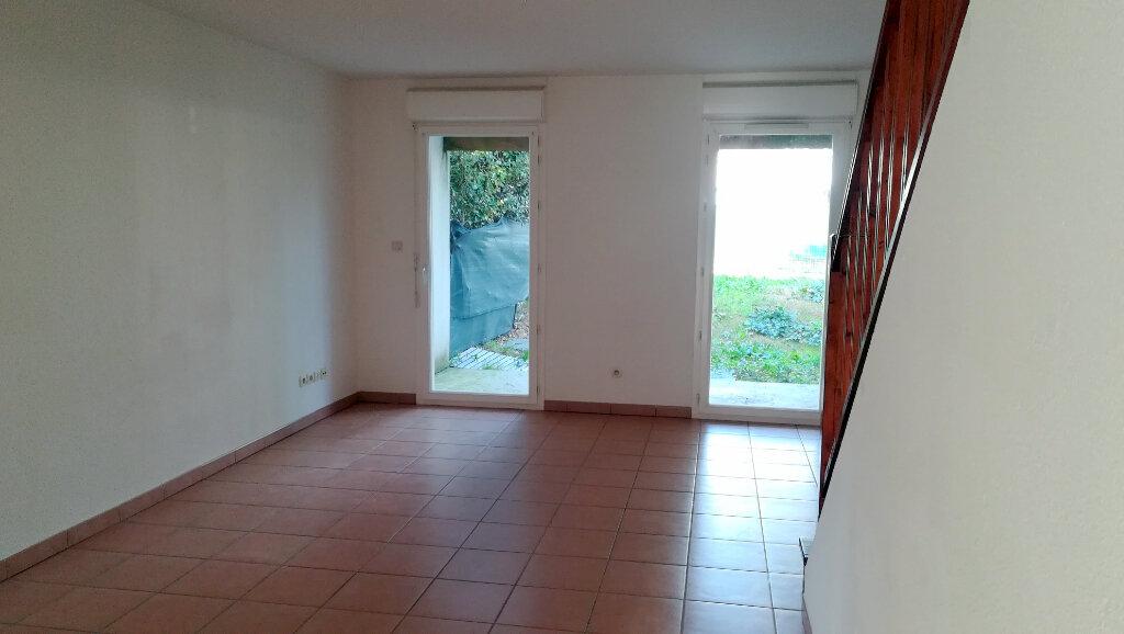 Maison à louer 3 65.9m2 à Carcassonne vignette-1
