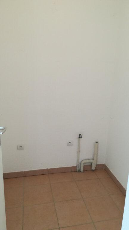 Maison à louer 3 65.9m2 à Carcassonne vignette-4
