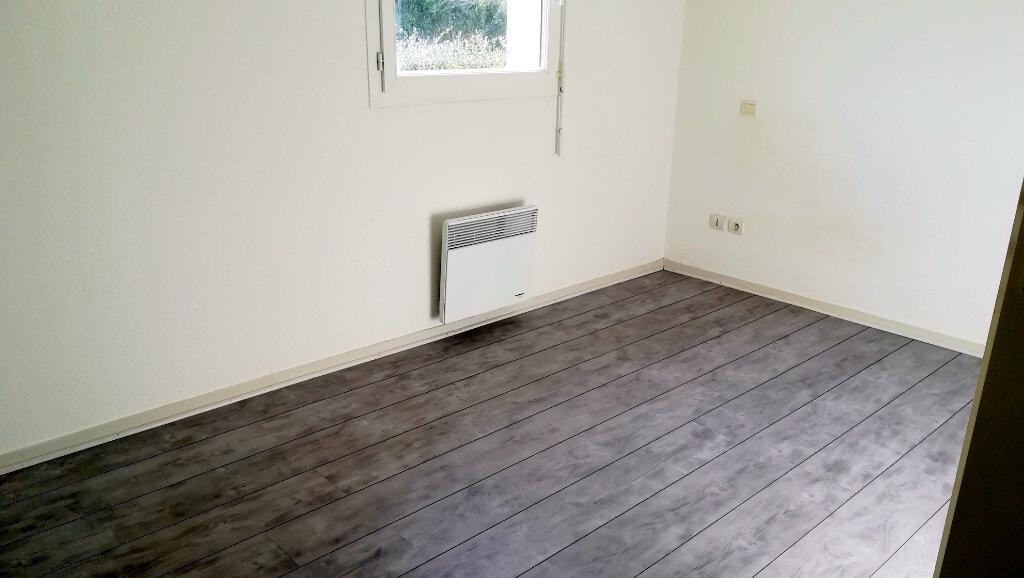 Maison à louer 3 65.9m2 à Carcassonne vignette-10