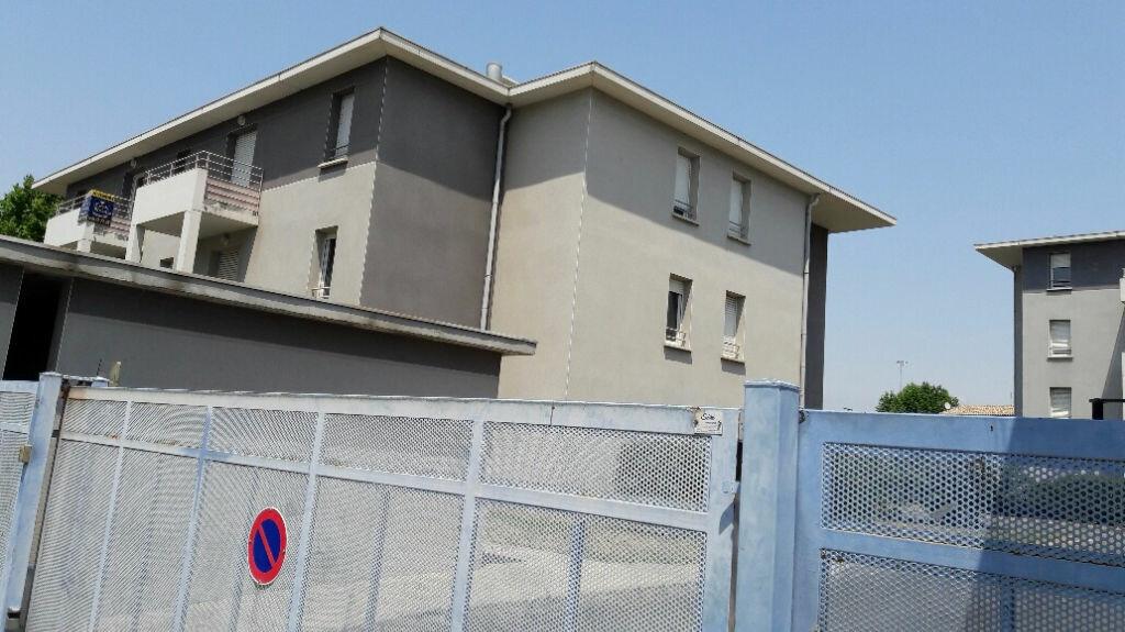 Appartement à louer 3 54.75m2 à Carcassonne vignette-1