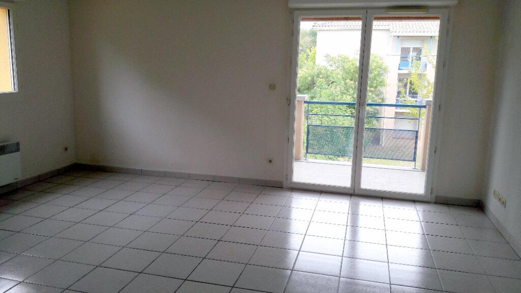Appartement à louer 3 56.7m2 à Carcassonne vignette-4