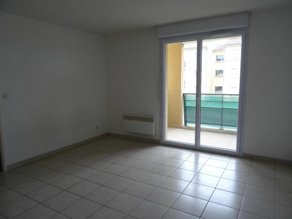 Appartement à louer 2 39.4m2 à Carcassonne vignette-3