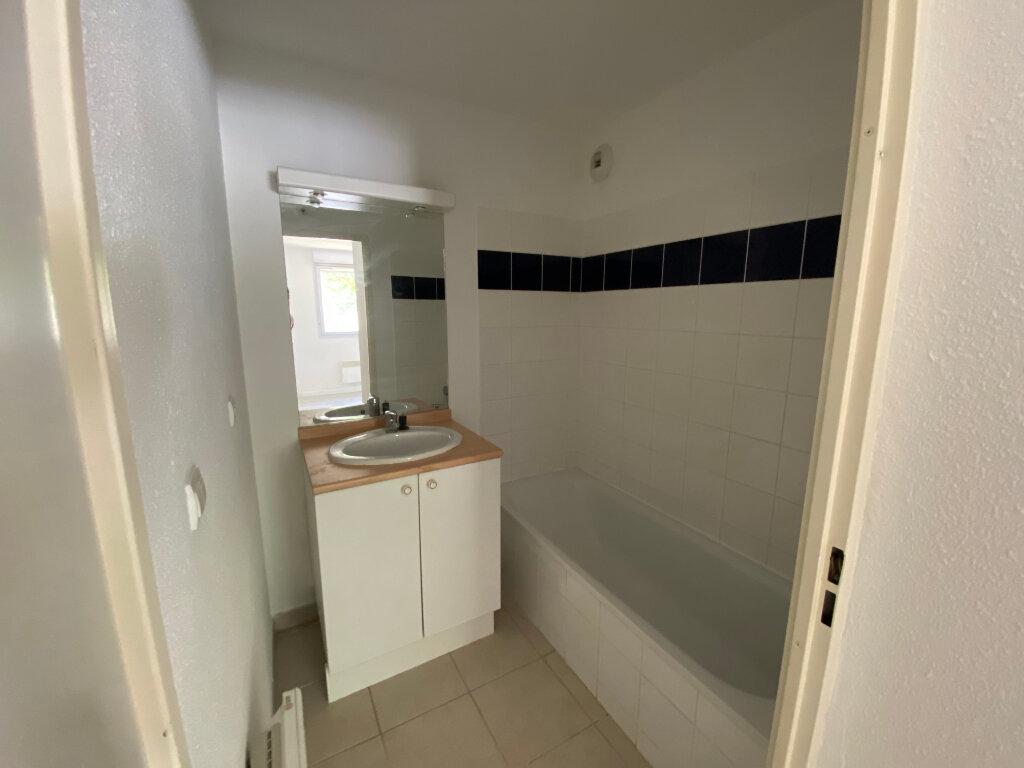 Appartement à louer 2 39.4m2 à Carcassonne vignette-6