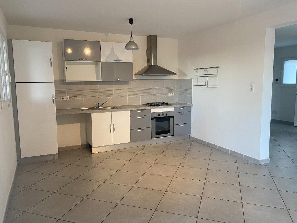 Appartement à louer 3 75m2 à Borgo vignette-2