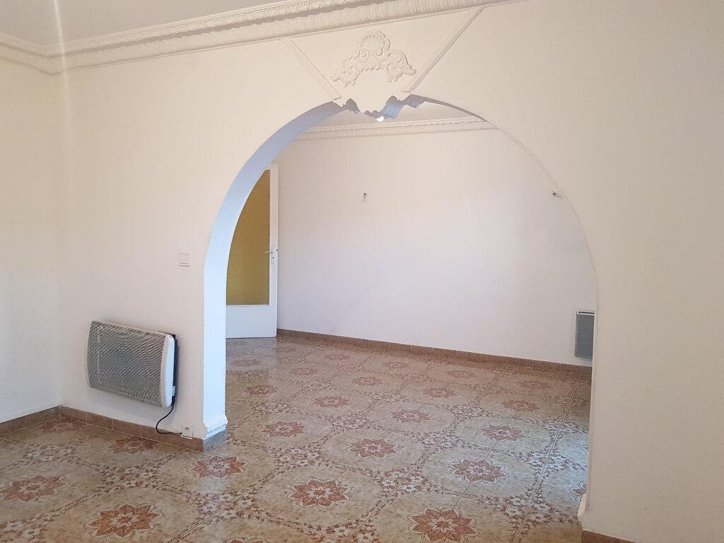 Appartement à louer 4 72m2 à Bastia vignette-4