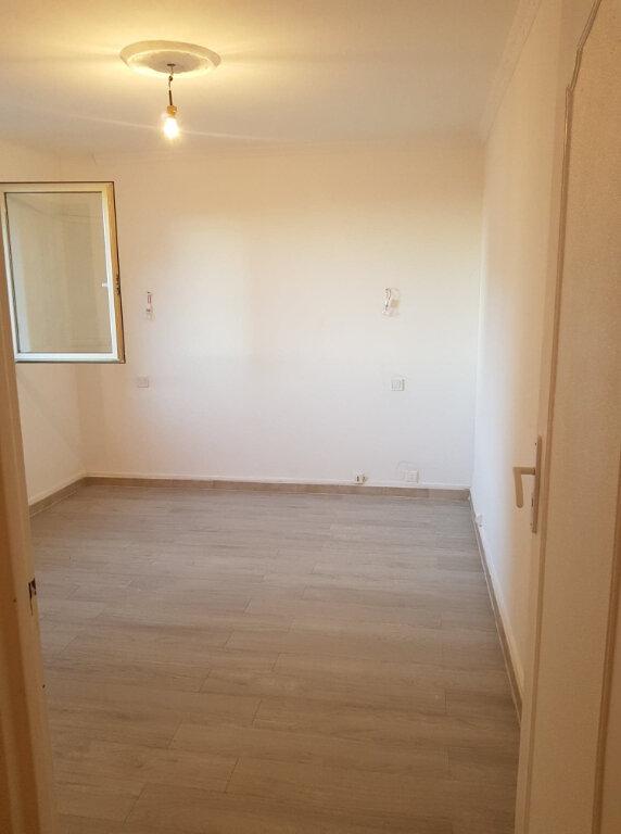 Appartement à louer 4 72m2 à Bastia vignette-6
