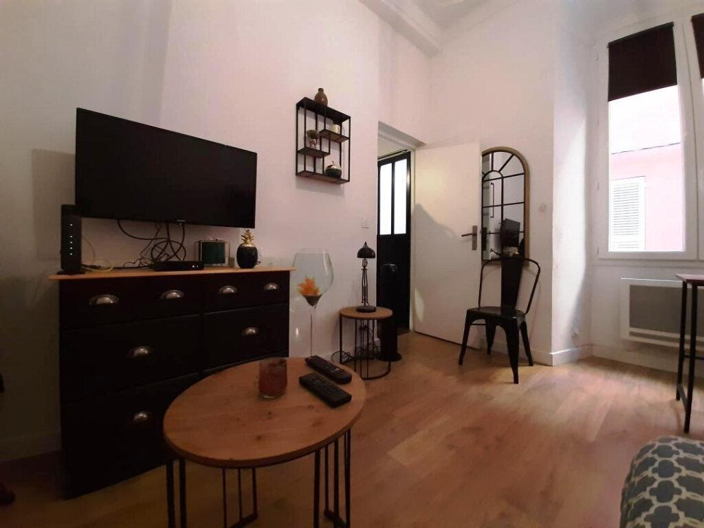 Appartement à louer 1 21m2 à Bastia vignette-1