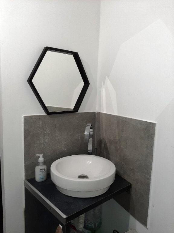 Appartement à louer 1 21m2 à Bastia vignette-5