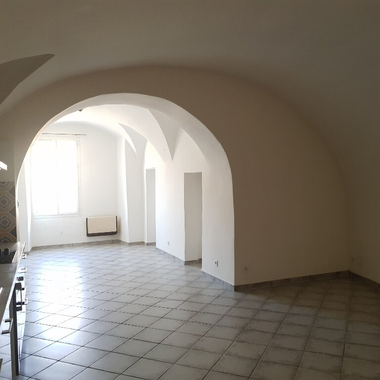 Appartement à louer 4 114m2 à Bastia vignette-3