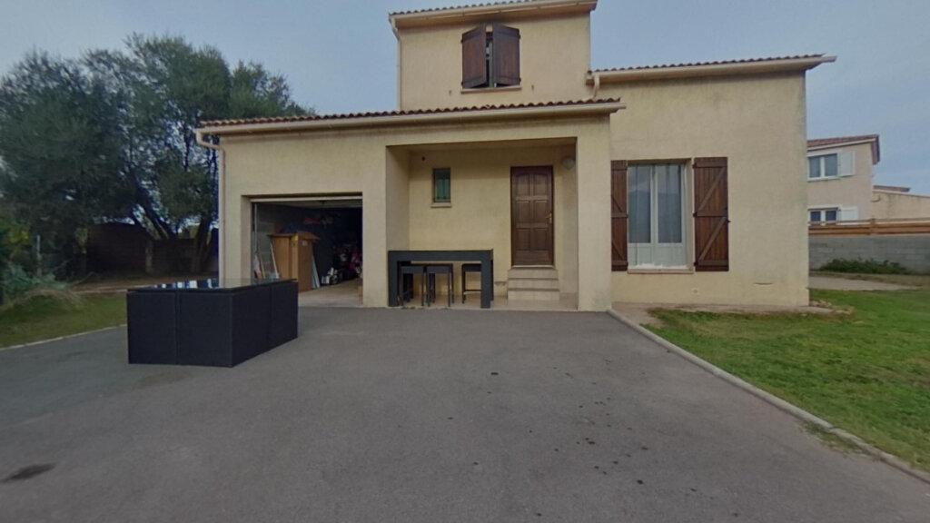 Maison à louer 4 93m2 à Lucciana vignette-1