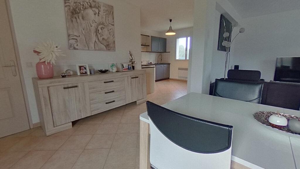 Maison à louer 4 93m2 à Lucciana vignette-2