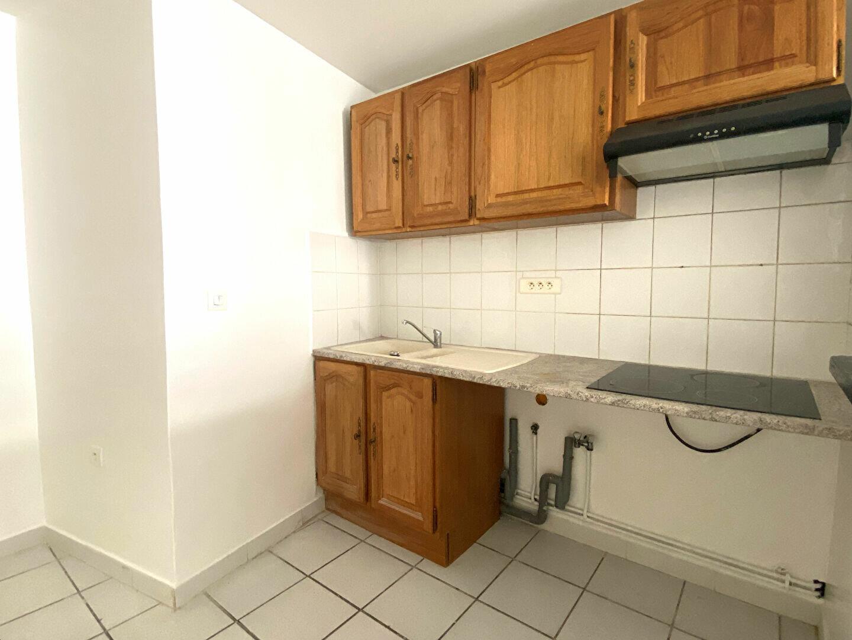 Appartement à louer 2 45m2 à Montlhéry vignette-1