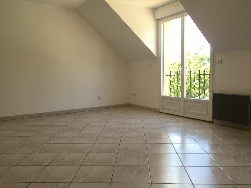 Appartement à louer 3 50.5m2 à Linas vignette-3