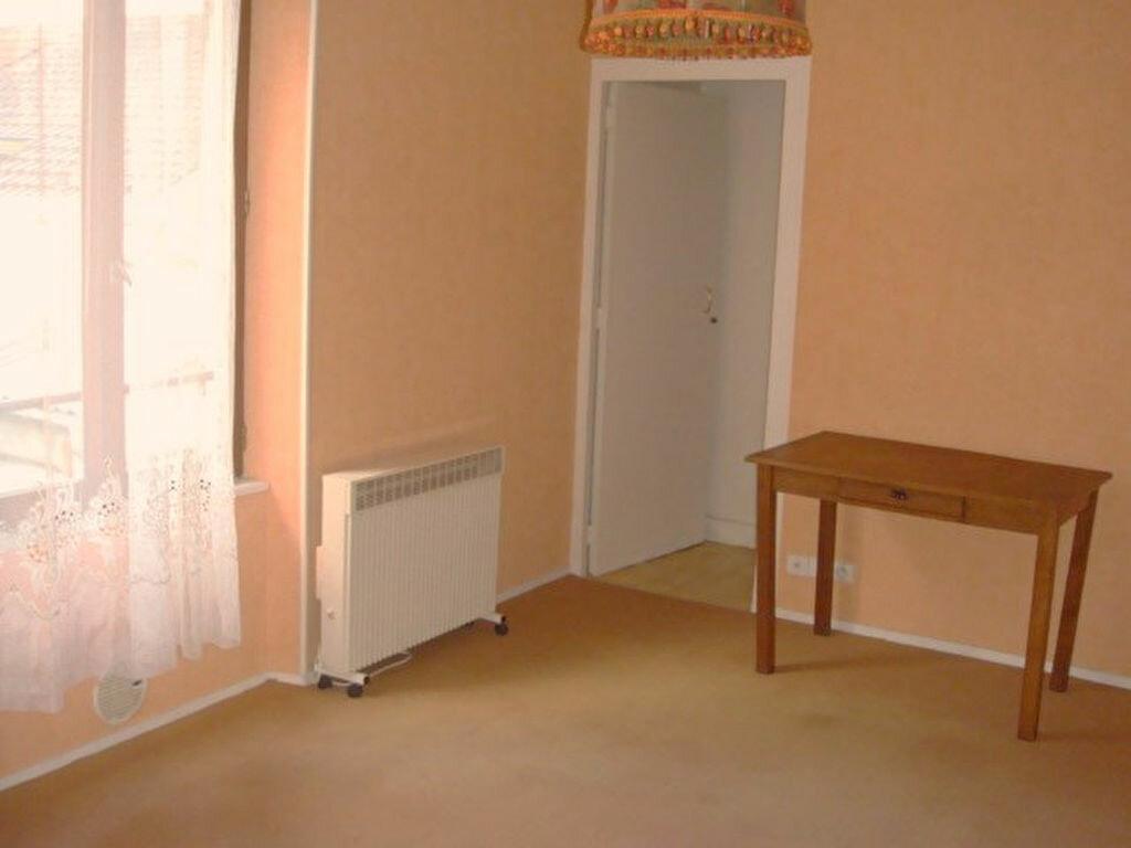 Appartement à louer 1 32.57m2 à Montlhéry vignette-1