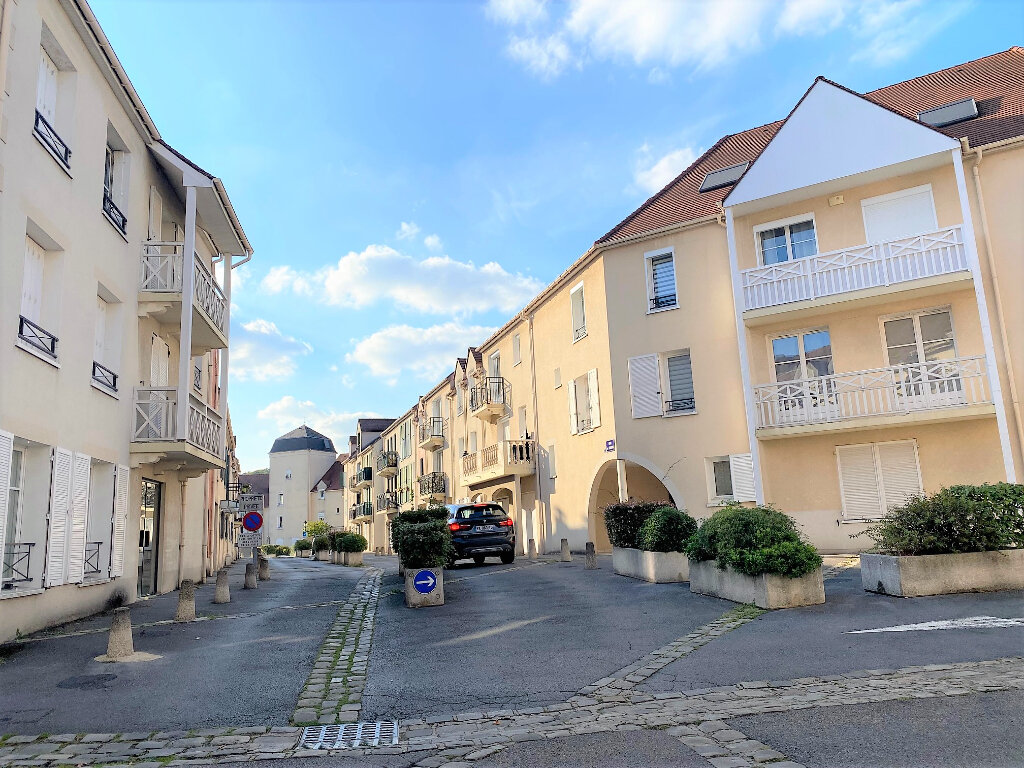 Appartement à louer 4 74m2 à Montlhéry vignette-1