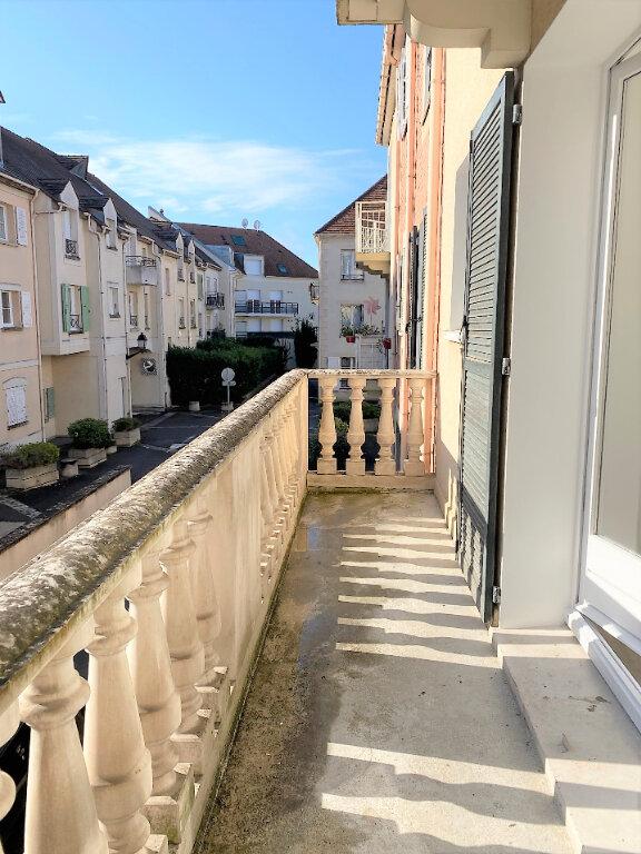 Appartement à louer 4 74m2 à Montlhéry vignette-3