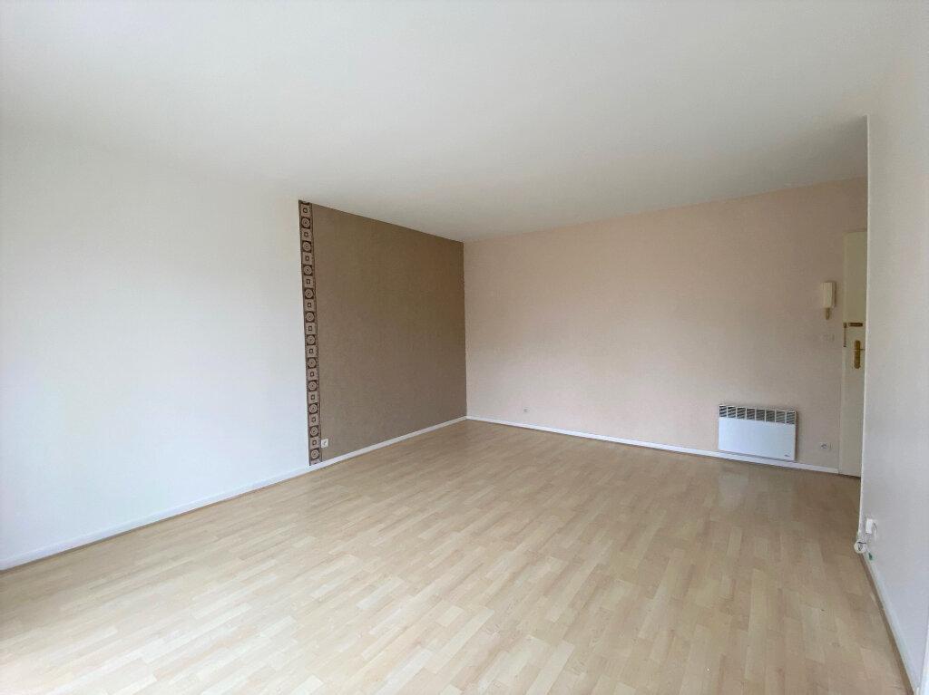 Appartement à louer 2 46m2 à Nozay vignette-2