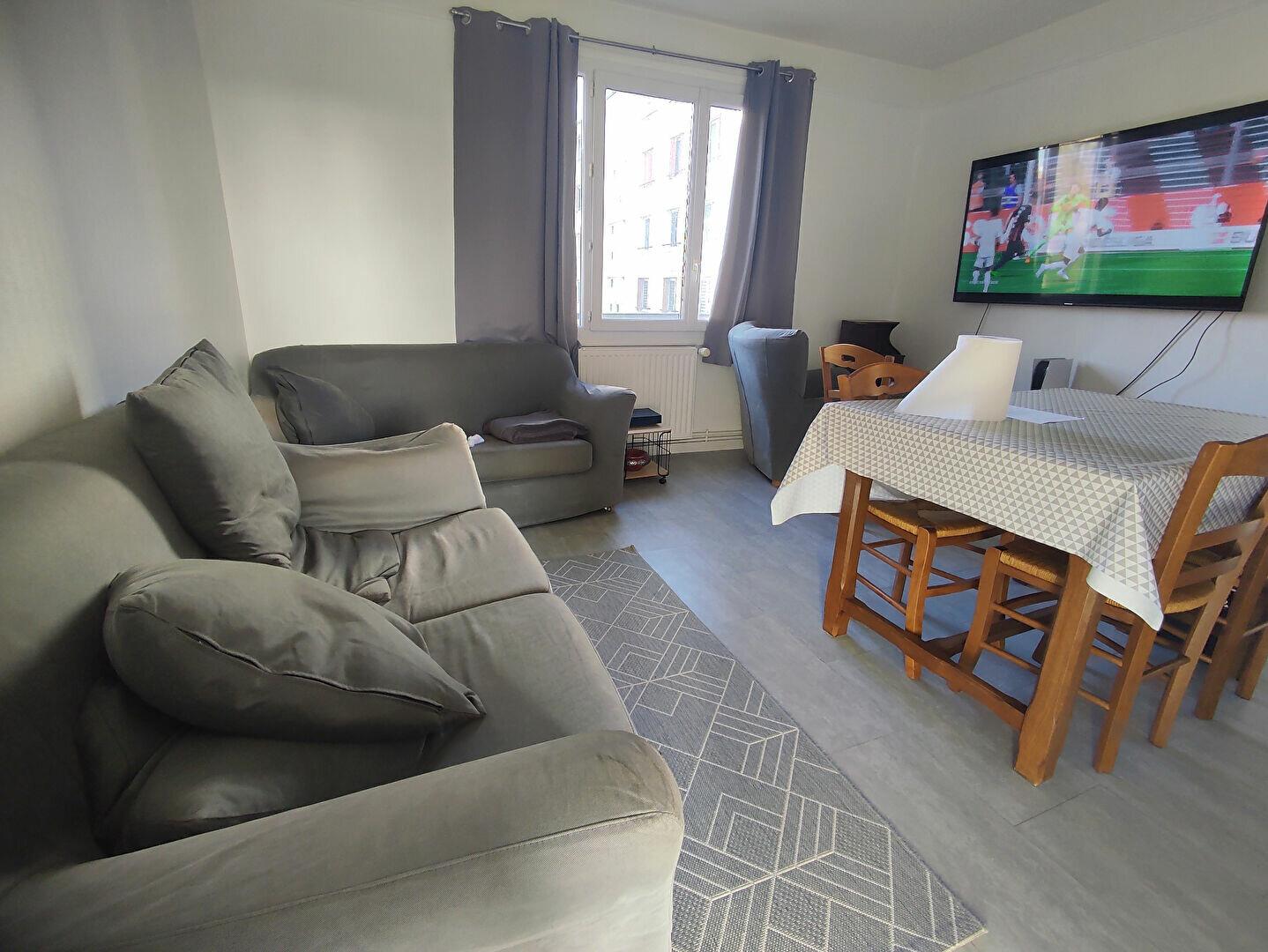 Appartement à louer 4 65m2 à Sainte-Geneviève-des-Bois vignette-1