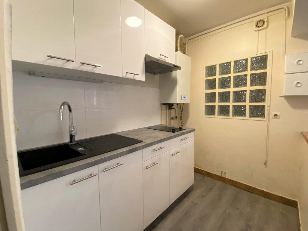 Appartement à louer 1 29m2 à Montlhéry vignette-1