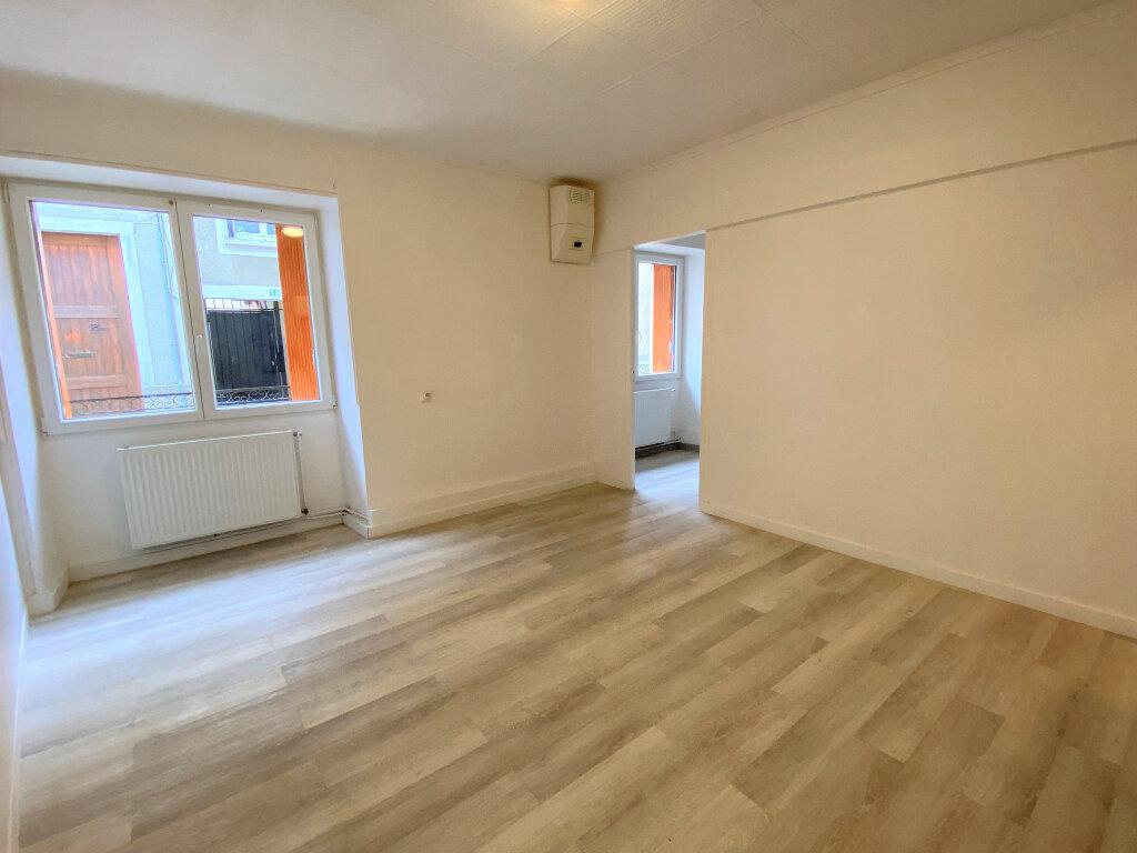 Appartement à louer 1 29m2 à Montlhéry vignette-2