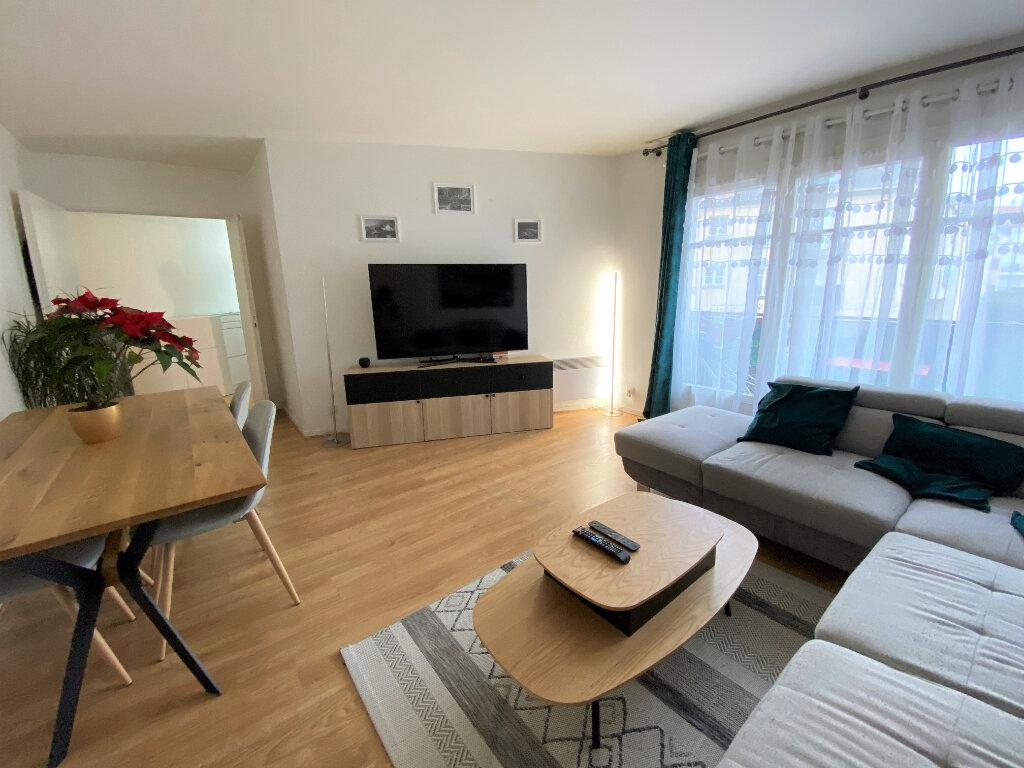 Appartement à louer 3 67.49m2 à Montlhéry vignette-1