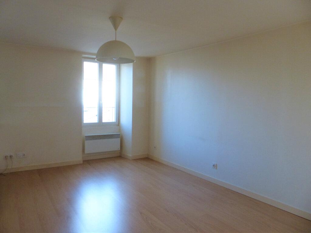 Appartement à louer 2 39.2m2 à Montlhéry vignette-1